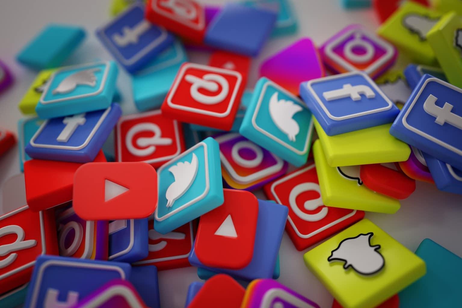 Sosyal Medya İstatistikleri +70